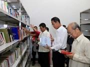 Abre biblioteca asociación de vietnamitas residentes en Laos