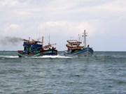 Rescatan a 11 pescadores accidentados en el mar de Vietnam