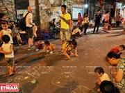 Explorando las calles peatonales de Hanoi