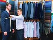 Experimentan confección de ropa a medida en Hoi An