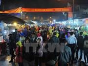 Alud de visitantes al mercado Vieng en primeros días del Año Nuevo Lunar