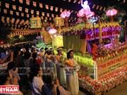 [Fotos] La procesión de Śarīra en el Día de Vesak
