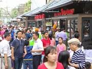 Hanoi abre espacio callejero para amantes de lectura