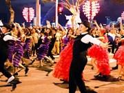 Da Nang vive atmósfera de alegría con mayor fiesta callejera