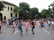 Espacio peatonal de Hanoi impulsa popularidad de juegos tradicionales