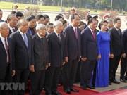 Dirigentes de Vietnam rinden homenaje al Presidente Ho Chi Minh