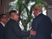 Gestos íntimos entre Donald Trump y Kim Jong-un