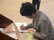 [Fotos] Embajada de Vietnam en Japón abre libro de condolencias por deceso del presidente Tran Dai Quang