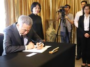 [Fotos] Embajada de Vietnam en Singapur abre libro de condolencias por deceso del presidente Tran Dai Quang
