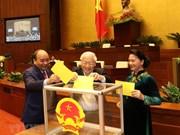 [Foto] Diputados vietnamitas votan por el cargo de Presidente de Estado