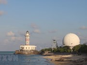 Faros - luz de la soberanía nacional de Vietnam en el mar