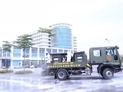Desinfectan Hospital Nacional de Enfermedades Tropicales 2 de Vietnam por COVID-19