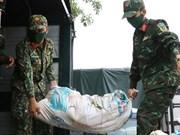 Imágenes conmovedoras de soldados vietnamitas en apoyo a los pobladores en medio de la pandemia
