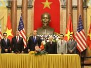[Fotos] Firman Vietnam y Estados Unidos numerosos tratados