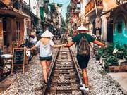 """Viaje de aventura al lado de """"calles del tren"""" en Hanoi"""