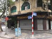 Hanoi en el primer día del cierre de puestos callejeros de venta de comida, té y café