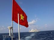 Bandera nacional en el archipiélago vietnamita de Truong Sa