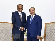 Premier de Vietnam aboga por fomentar lazos con Singapur en seguridad cibernética