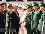 Premier vietnamita extiende mejores deseos a fuerzas armadas en ciudad de Da Nang por el Tet 2019