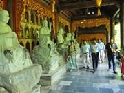 [Foto] Delegados extranjeros del Vesak 2019 visitan la pagoda Bai Dinh