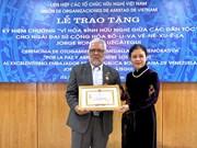 [Foto] Honran en Vietnam al embajador saliente de Venezuela
