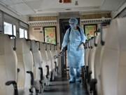 [Foto] Servicio ferroviario de Vietnam desinfecta sus trenes para prevenir contagio del coronavirus