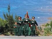 [Foto] Ceremonia del saludo a la bandera en distrito isleño de Ly Son