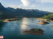 Belleza paradisíaca del lago de Na Hang en Vietnam