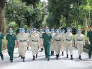 Cascos azules vietnamitas rinden homenaje al Presidente Ho Chi Minh a su regreso a la Patria