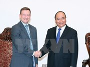 Premier vietnamita recibe al nuevo embajador francés