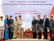 Entregan arroz a favor de los vietnamitas en Camboya