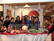 Vietnam participa en actividad caritativa en Ucrania