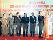 Urgen a universidad de Hanoi a convertirse en centro docente de alta calidad