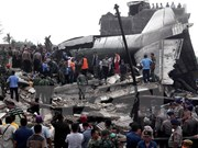 Trece muertos tras accidente del avión militar en Indonesia