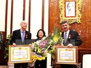 Vietnam otorga Orden de Trabajo a presidentes de Aldeas Infantiles SOS