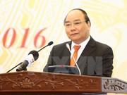 Premier vietnamita pide fortalecer evaluación de proyectos legales