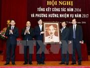 Premier pide mejorar solución de asuntos sociales en Vietnam