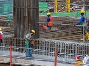 Eximen trabajadores extranjeros en Malasia de extracción tributaria