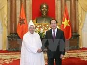 Presidente de Vietnam recibe a nuevo embajador japonés