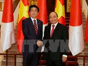Premieres de Vietnam y Japón acuerdan reforzar nexos binacionales