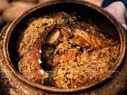 Famoso pescado cocinado a fuego lento de Dai Hoang