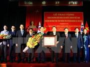 Entregan Orden de Amistad a gobernador de localidad sudcoreana