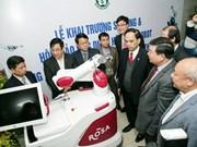 Vietnam utiliza robots en cirugías neurológicas y de articulación