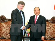 Premier vietnamita afirma respaldo a grupo de aeropuertos de París