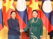 Laos y Vietnam comparten experiencias en la esfera administrativa