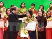 Honran a mujeres científicas vietnamitas con premios Kovalevskaya