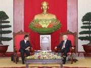 Líder partidista de Vietnam recibe al alcalde de Vientiane
