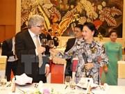 Presidente del Consejo de Estados de Suiza concluye visita a Vietnam