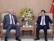 Vicepremier vietnamita recibe a embajadores de Rusia e Irlanda