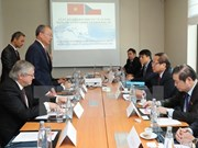 Firman Vietnam y República Checa memorando de colaboración en información